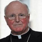 Arzobispo australiano defiende secreto de confesión en casos de pederastia
