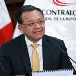 Excontralor Edgar Alarcón pide reposición en cargo y millonaria indemnización