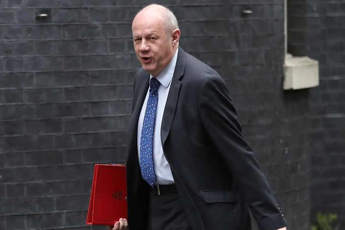Viceprimer ministro del Reino Unido dimite tras escándalo sexual