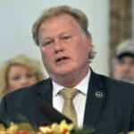 EEUU: Se suicidó legislador republicano Dan Johnson acusado de violación (VIDEO)