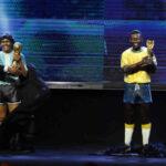 Conmebol galardona con estatuas a los astros del fútbol Maradona y Pelé