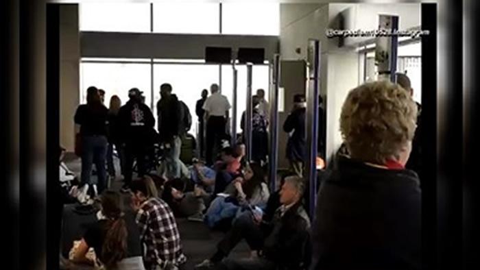 Obliga apagón a cancelar vuelos en aeropuerto de Atlanta