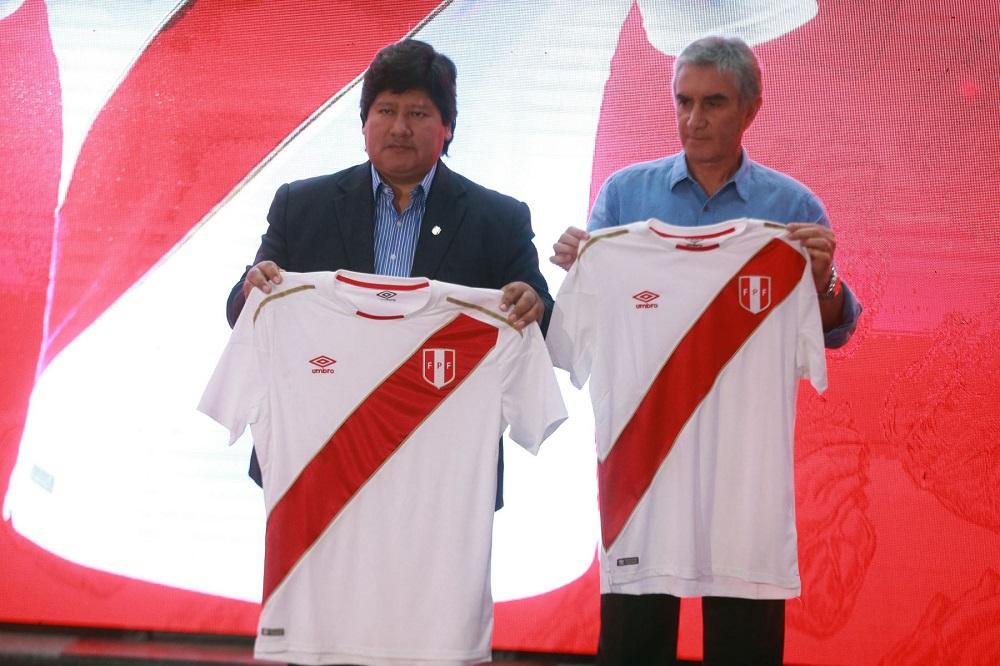 Perú presentó su nueva camiseta para el Mundial Rusia 2018