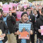 """""""Soñadores"""" aumentan presión para que se apruebe este año el Dream Act"""