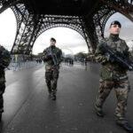 Francia: Cien milsoldados y policías en las calles durante laNavidad