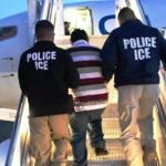EEUU: Juez detiene deportación de 50 inmigrantes antes de tomar avión de ICE