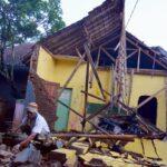 Sismo de 6.5 en Java causa 3 muertos y daños en casi 1,000 edificios