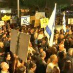 Miles de israelíes participan en marcha semanal contra la corrupción