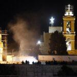 Miles de palestinos y turistas dan la bienvenida a la Navidad en Belén