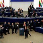 """El Parlamento Europeo da luz verde al paso a la segunda fase del """"brexit"""""""