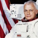 Muere el primer hombre que flotó sin ataduras en el espacio