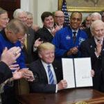 """Trump: EEUU buscará establecer """"una base"""" en la Luna para llegar a Marte (VIDEO)"""