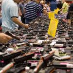 EEUU: Ventas de arma subió tras matanza en la escuela Sandy Hook