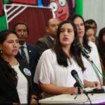 Verónika Mendoza: Fujimorismo busca golpe para distraernos
