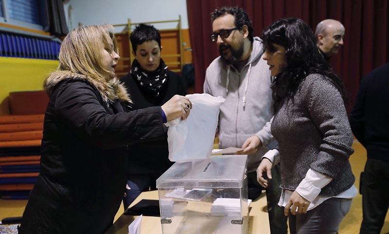 Participación ciudadana en elecciones supera a las del 2015 — Cataluña