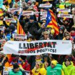 Bruselas se tiñe de lazos amarillos a favor de la independencia de Cataluña