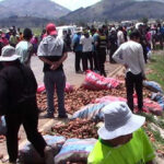 Tres trabajadores mueren aplastados por carga de zanahoria en Junín