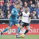 Liga Santander: Real Madrid alivia su crisis con goleada de 4-1 ante el Valencia