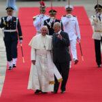 Papa Francisco arribó a Perú en medio de gran expectativa (Fotos)