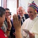 Ministro Grados visitó coliseo que albergará cita del Papa con 3.500 nativos