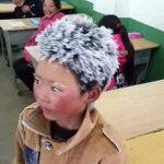 Niño chino llegó al colegio con el cabello congelado por el frío extremo