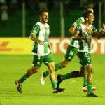 Universitario tiene flojo debut en Copa Libertadores al caer 2-0 con Oriente Petrolero
