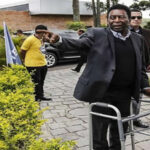 """Brasil: """"Pelé"""" acude en andador a inauguración de campeonato regional"""