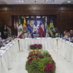 Gobierno y oposición de Venezuela retoman diálogo en R. Dominicana (VIDEO)
