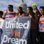 """Líderes del Congreso reanudan negociación con Casa Blanca sobre futuro de """"Dreamers"""""""