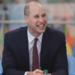 Príncipe Guillermo acepta calvicie y aparece con cabeza rapada (VIDEO)