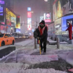EEUU:Ciclón bomba congela autopistas y se espera caída récord de temperatura (VIDEO)