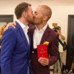 Gobierno ruso despedirá a funcionaria que legalizó un matrimonio homosexual