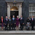 May hace reajuste en su gobierno pero mantiene a ministros clave