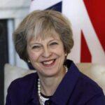 May pide a ejecutivos defiendan Londres como centro financiero de Europa