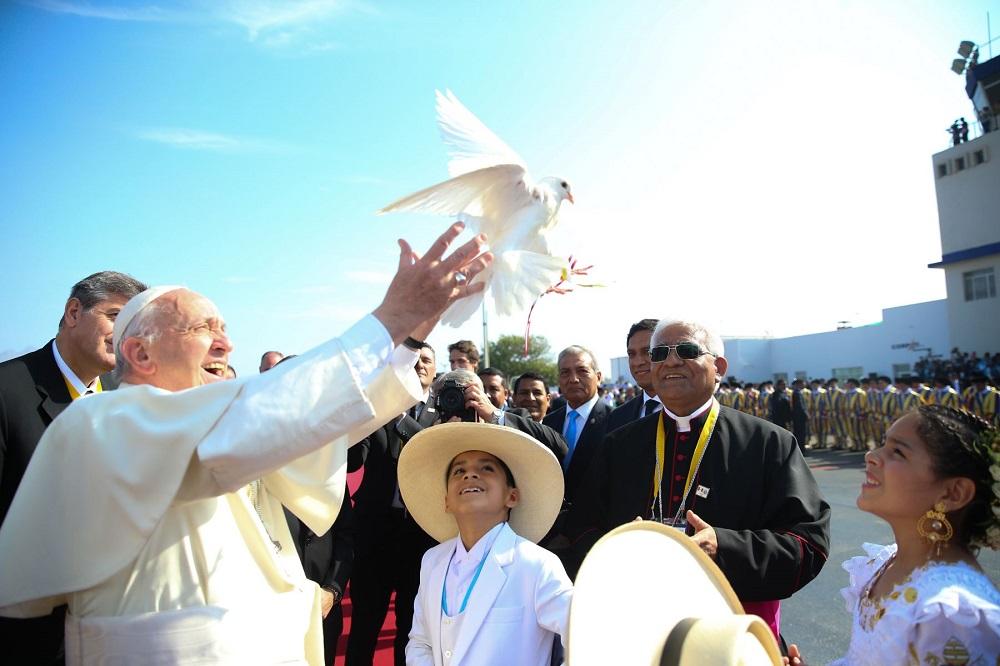 Critica el Papa opresión contra pueblos indígenas