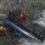 Pasamayo: Rescataron dos nuevos cadáveres de bus siniestrado