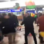 Alemania:Turcos y kurdos pelean en aeropuerto por intervención en Siria (VIDEO)