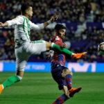 Liga Santander: Betis se impone por 2-0 y agudiza la crisis del Levante