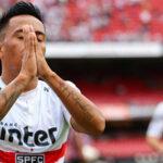 Christian Cueva reaparece en Sao Paulo con gol de penal ante Botafogo