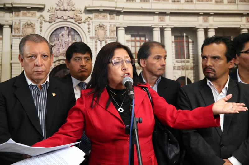 Izquierda anuncia nueva moción de vacancia contra PPK