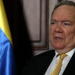 Venezuela: Negociador oficialista dice que oposición se burló del proceso de diálogo