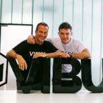 Vibuk, red social de trabajo para talento artístico de Antonio Banderas, llega a Perú