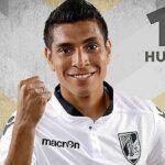 Paolo Hurtado de penal anota en el 3-2 de Vitoria Guimarães ante Pacos de Ferreira