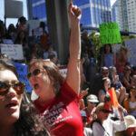 EEUU: Estudiantes de Florida se movilizan exigiendo más control de las armas de fuego
