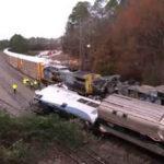 EEUU: Choque de tren de pasajeros contra otro de carga deja 2 muertos y 70 heridos (VIDEO)