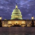 Republicanos y demócratas pactan presupuesto con partida para el muro pero sin DACA