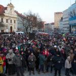 Rep. Checa: Miles protestan en solidaridad con periodista asesinado