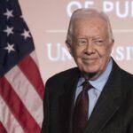 Expresidente Carter bromea sobre Trump y dice que reza por él
