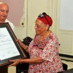 Omara Portuondo recibe Honoris Causa en Arte de universidad cubana