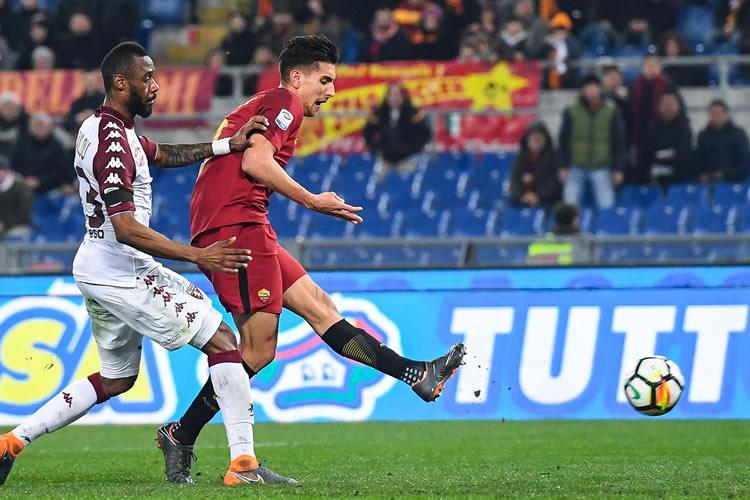 Roma conserva la tercera plaza tras golear a Torino